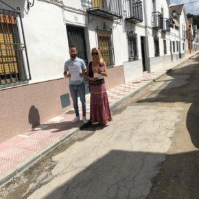 Ciudadanos denuncia la dejadez del Ayuntamiento de Torredonjimeno en el asfaltado de las calles Thomas Alva Edison y Doctor Fleming