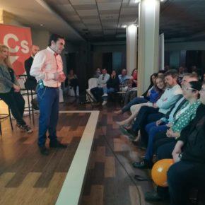 Miguel Moreno (Cs) presenta su candidatura a las municipales ante un auditorio de más de 200 porcunenses
