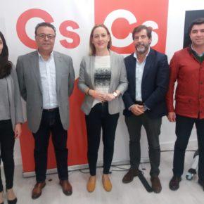 Marián Adán valora los datos de desempleo tras reunirse con el sindicato CSIF y visitar el centro penitenciario Jaén II para conocer las demandas de los funcionarios de prisiones