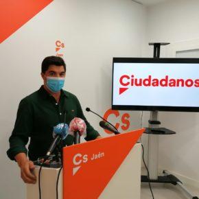 "Enrique Moreno: ""Estamos apostando por modernizar las infraestructuras agrarias, como nunca antes se había hecho"""